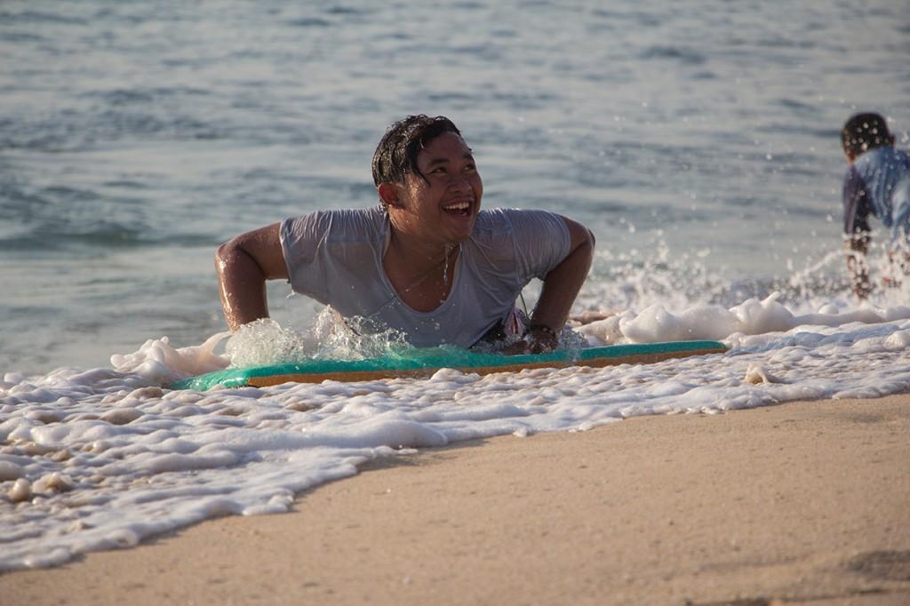 Surfen am Dreamland Beach in New Kuta