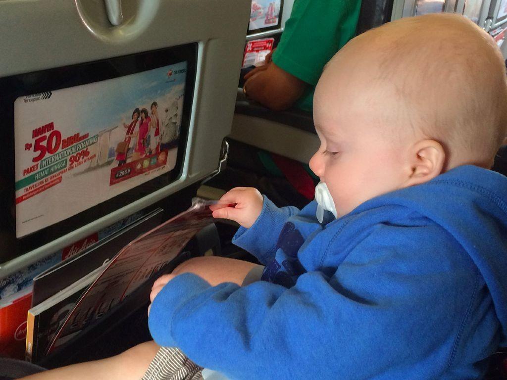 Fliegen mit Baby - sichern am Platz