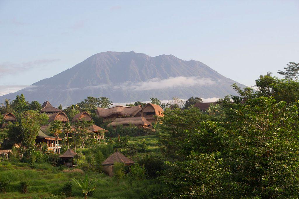 Der Ausblick vom Abian Ayu Villa aufs benachbarte Samanvaya