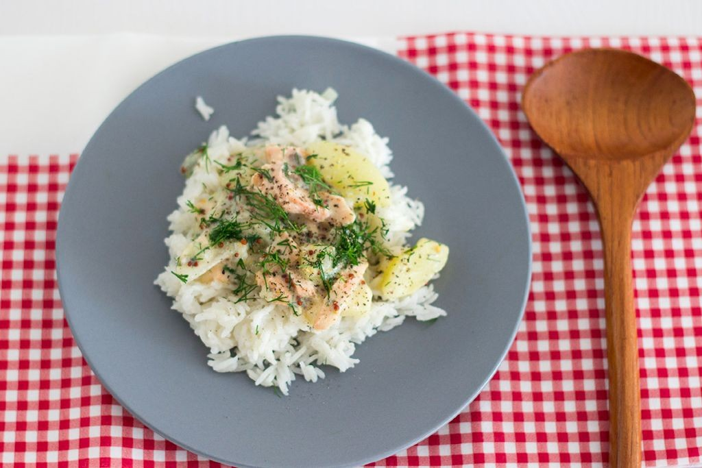 Lachs in Dill-Sahne-Sauce