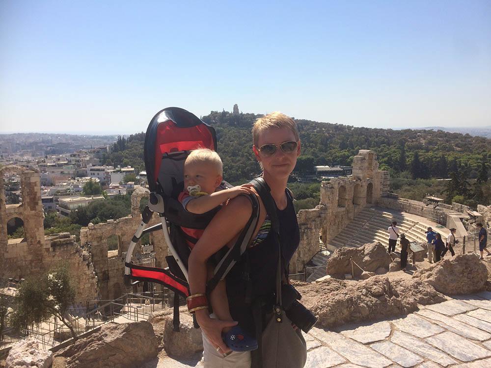 akropolis-mit-kleinkind-2