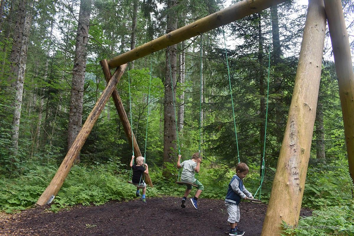 Oberösterreich mit Kindern Ausflufsziele Uhrzeitwald