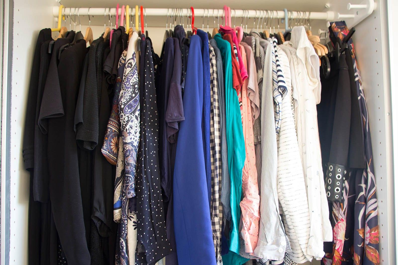 Richtig ausmisten Tipps – der Kleiderschrank danach