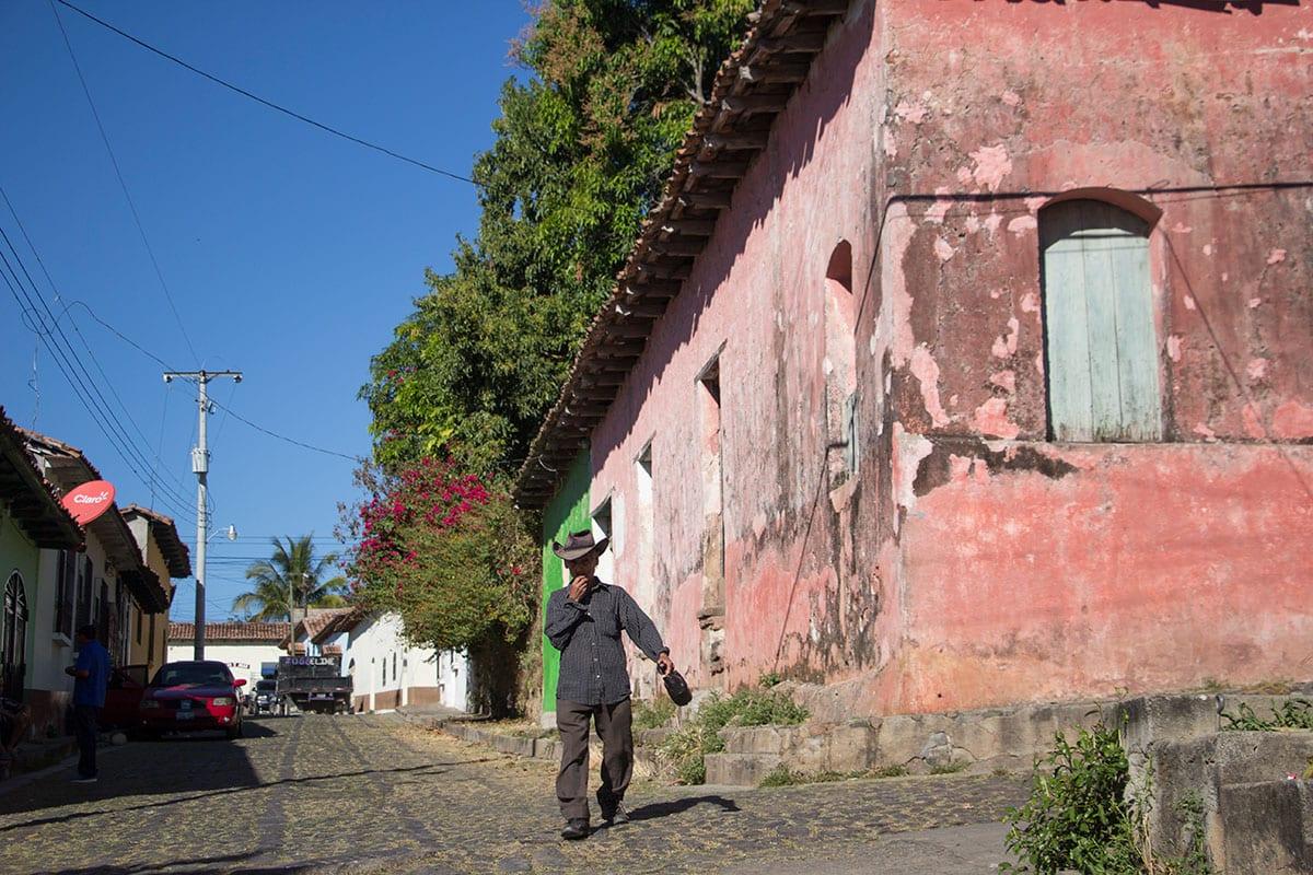 El Salvador Urlaub – die kleine Stadt Suchitoto ist wunderschön