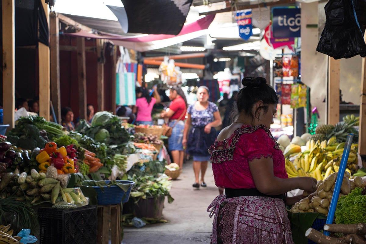 Mexikanische Küche und ihre Besonderheiten – auf einem mexikanischem Markt