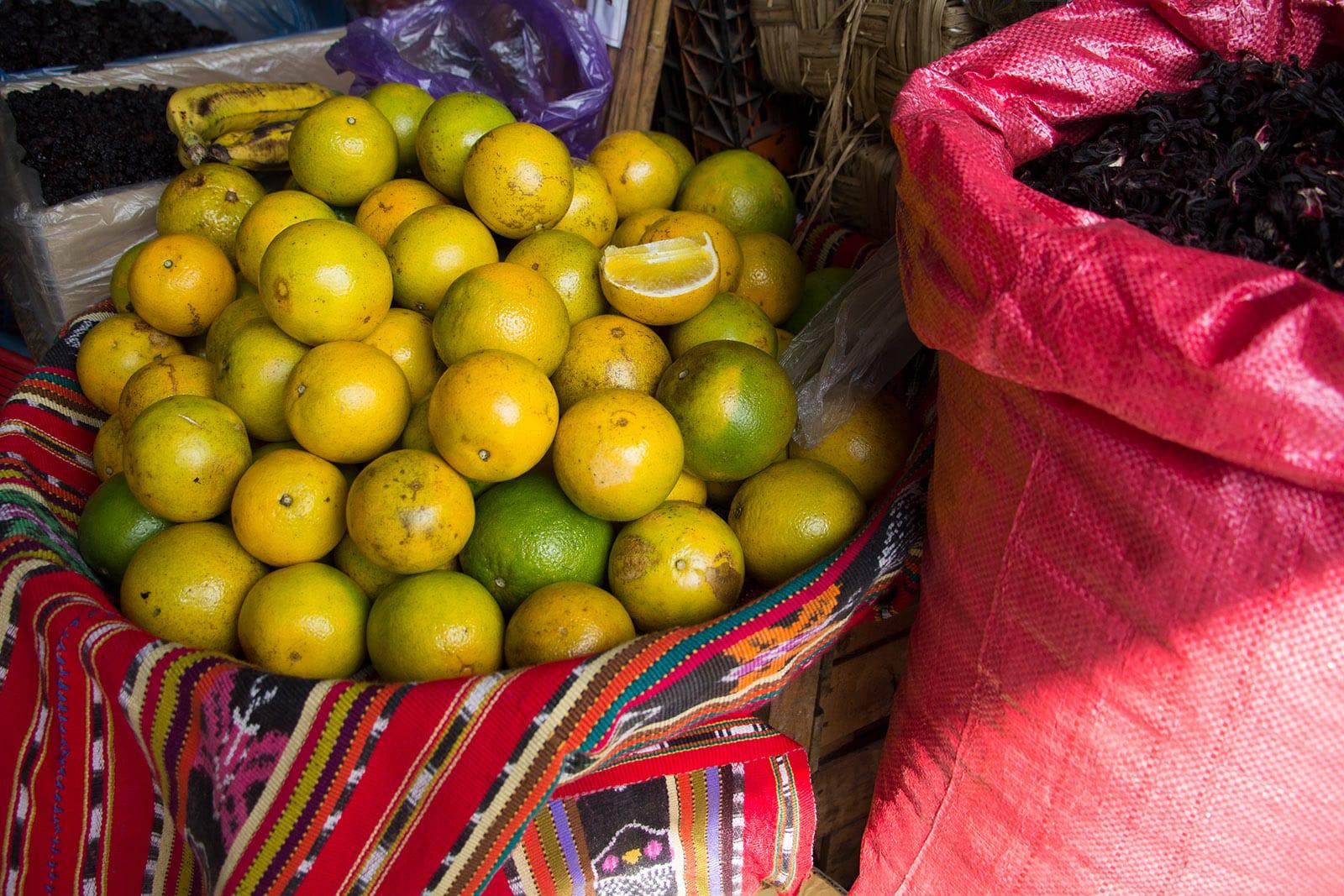 Mexikanische Küche – auf den Märkten gibt es viel frisches Obst