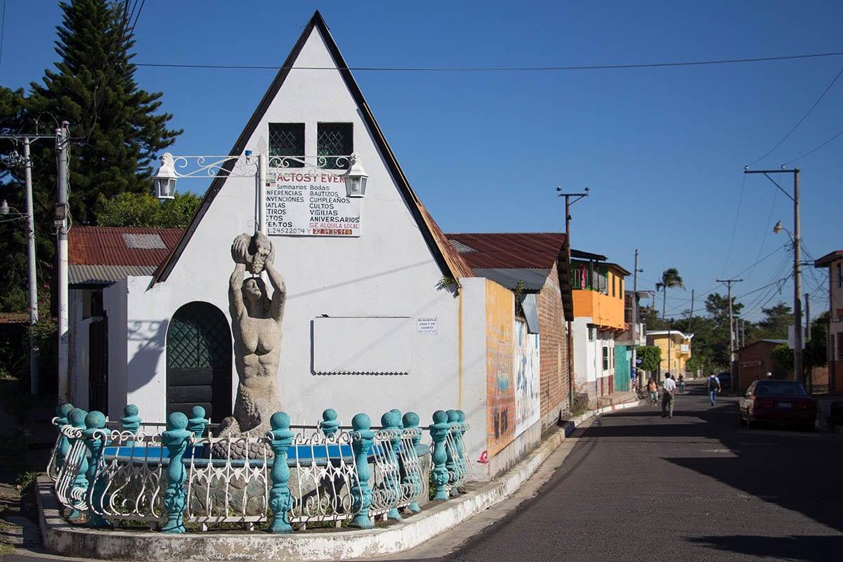 El Salvador Sehenswürdigkeiten & Highlights – eine Straße in Juayúa in Ruta de las Flores