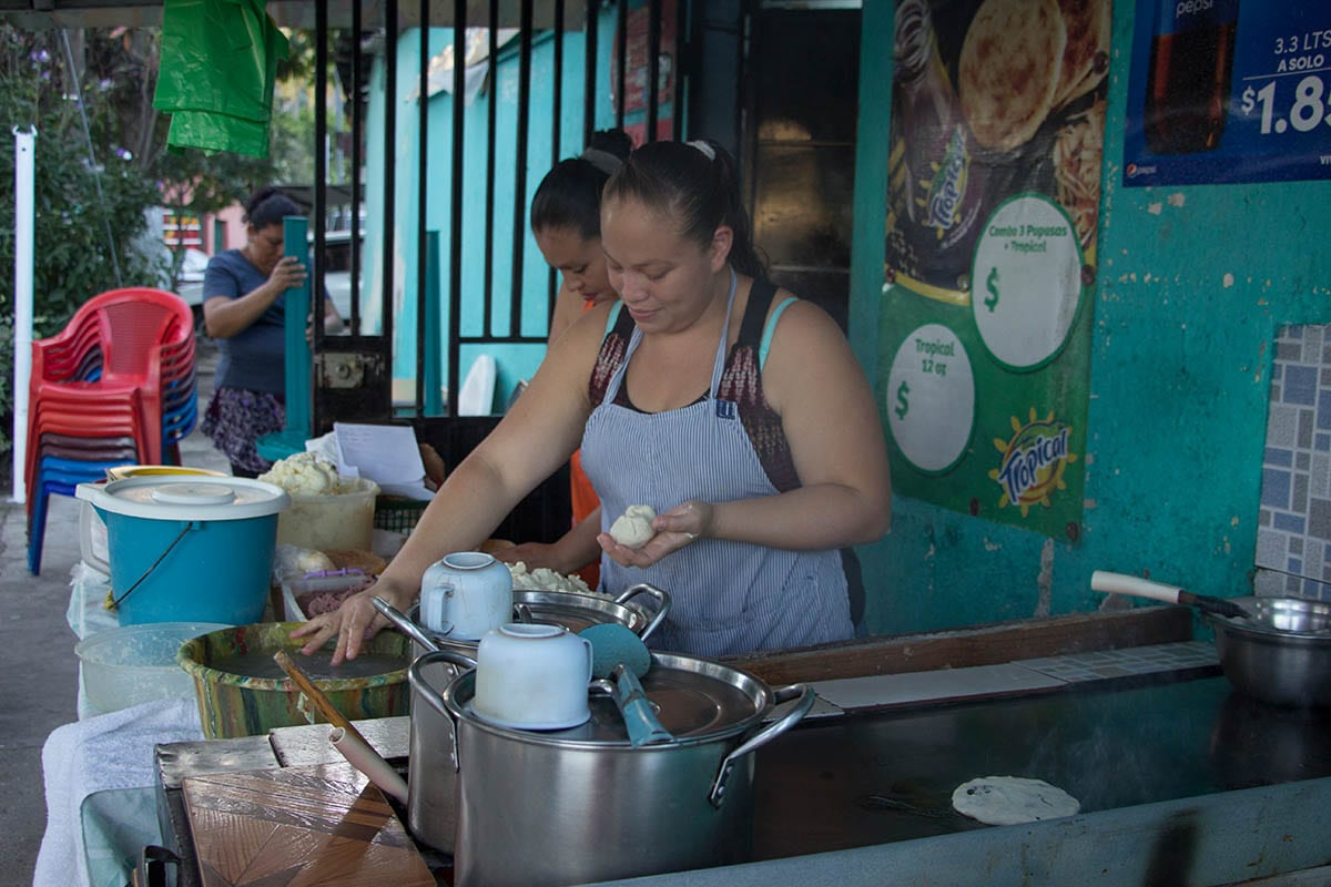 El Salvador Sehenswürdigkeiten & Highlights – Pupusería in Santa Ana