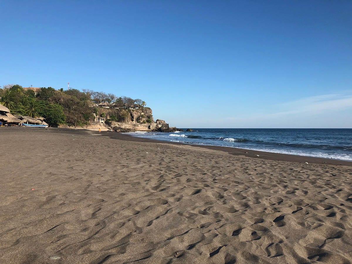 El Salvador Sehenswürdigkeiten & Highlights – am Strand von Palmarcito, El Palmar