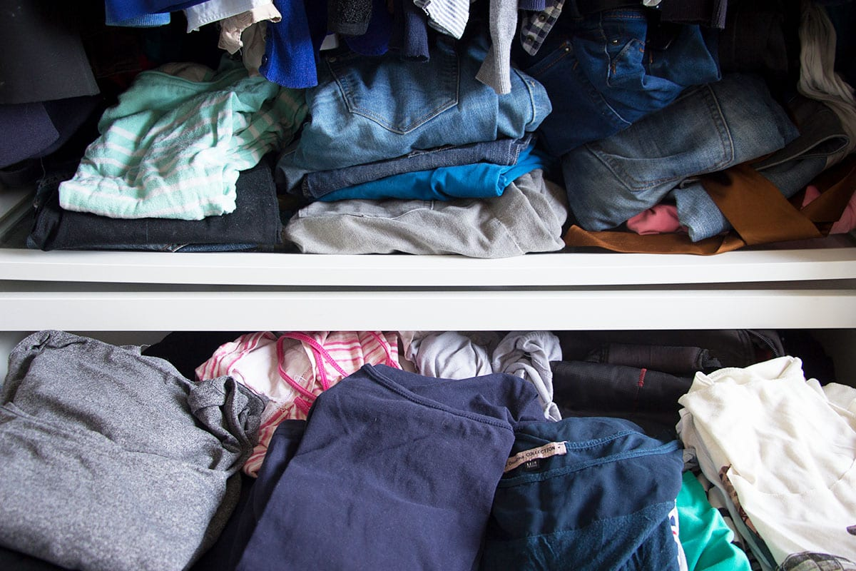 kleiderschrank ausmisten tipps f r mehr ordnung im schrank. Black Bedroom Furniture Sets. Home Design Ideas