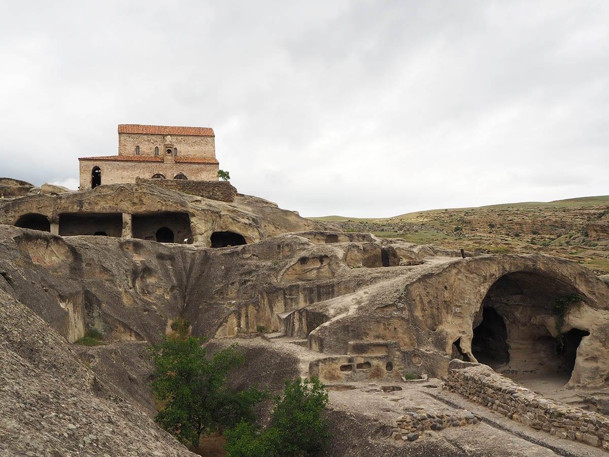 Georgien Urlaub: Tipps & Highlights für eine faszinierende Rundreise – Höhlenfestung Upliszische bei Gori