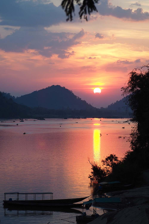 Individuelle Laos Reisen – Sonnenuntergang bei den 4.000 Islands im Mekong