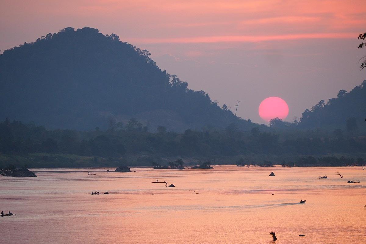 Individuelle Laos Reisen – Sonnenuntergang auf Don Khon in 4.000 Islands in Südlaos