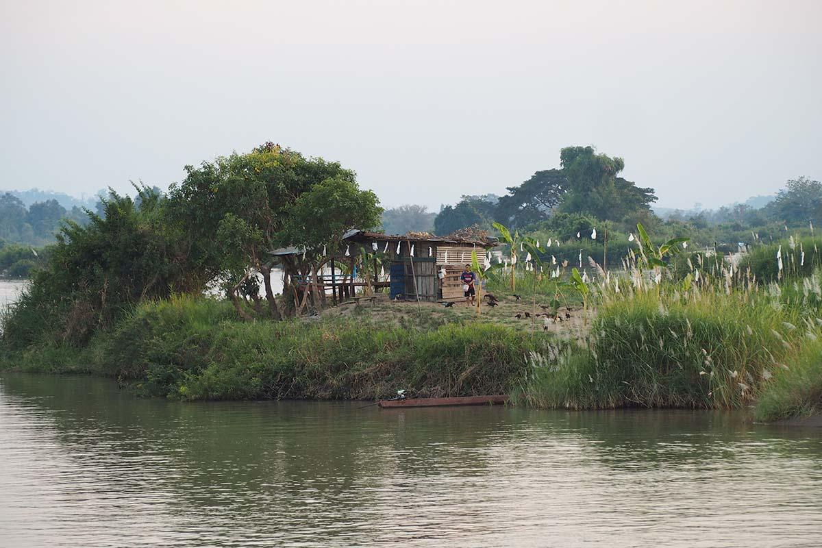 Individuelle Laos Reisen – kleine Insel bei Don Det im Mekong in Südlaos