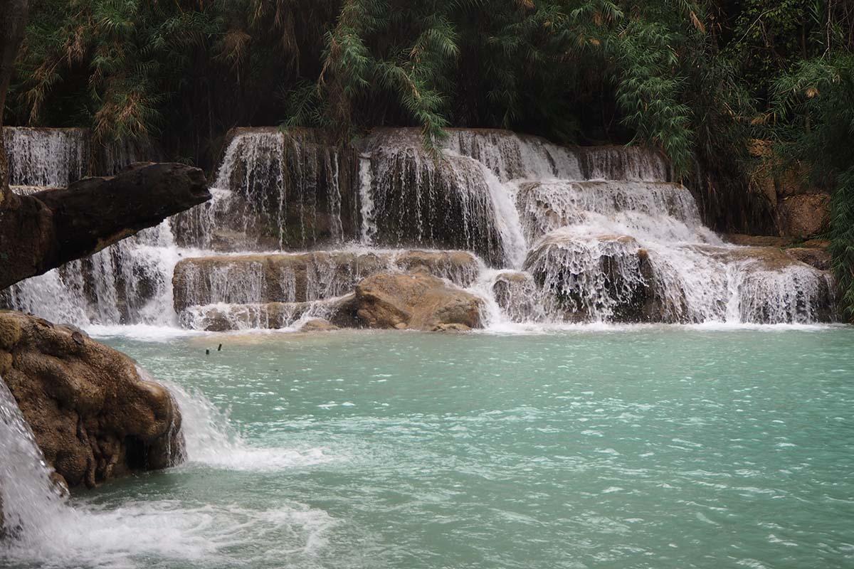 Individuelle Laos Reisen – Wasserfall bei Luang Prabang