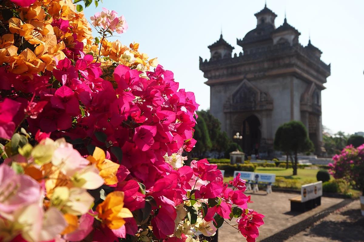 Individuelle Laos Reisen – Vientiane Patuxai der Triumpfbogen
