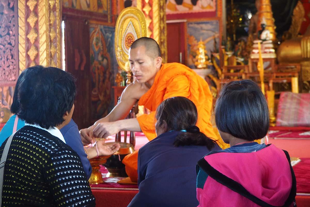 Individuelle Laos Reisen – Pakse im Tempel Wat Luang