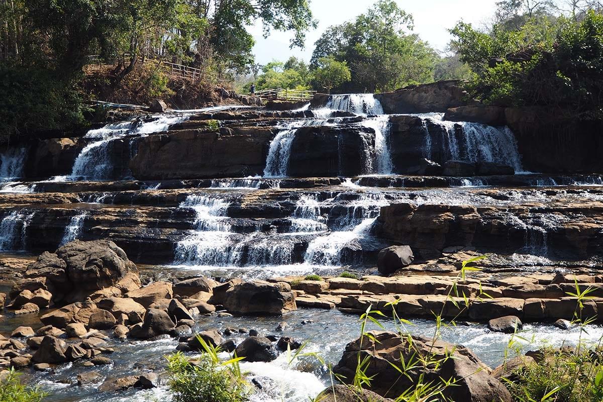 Individuelle Laos Reisen – Wasserfälle im Boalven-Plateu in Champasak ind Südlaos