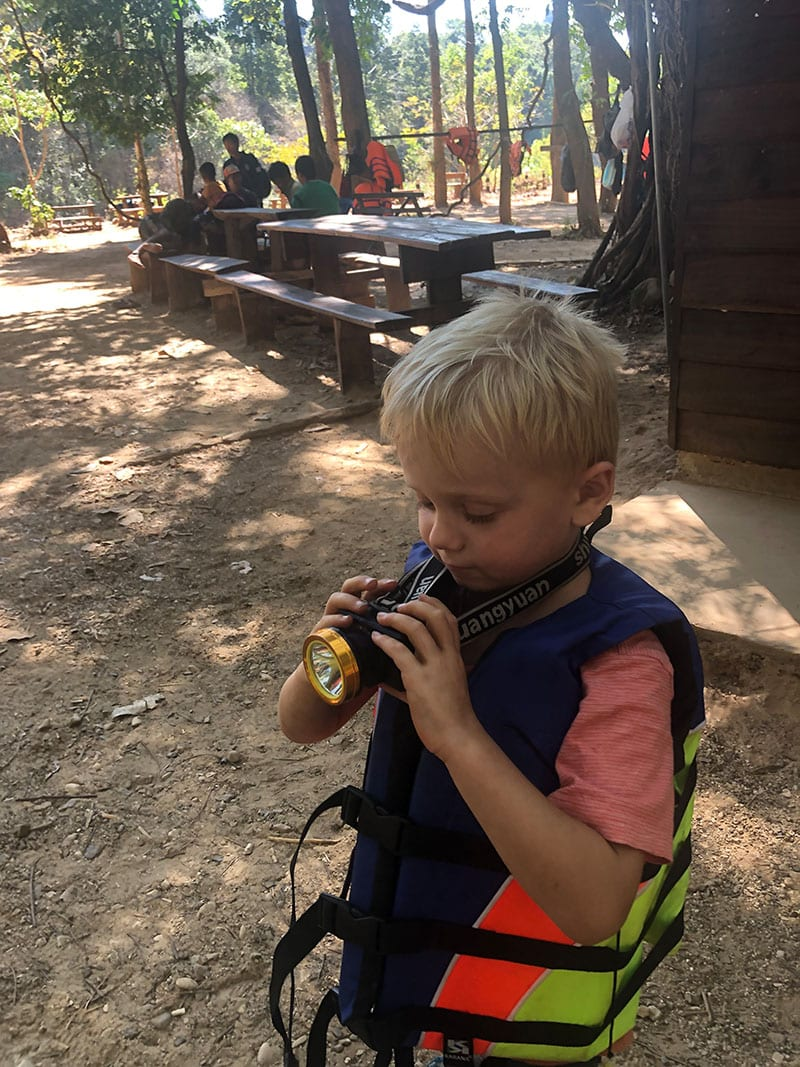 Gesund und sicher auf Reisen mit Kindern – Tipps für mehr Sicherheit im Familienurlaub