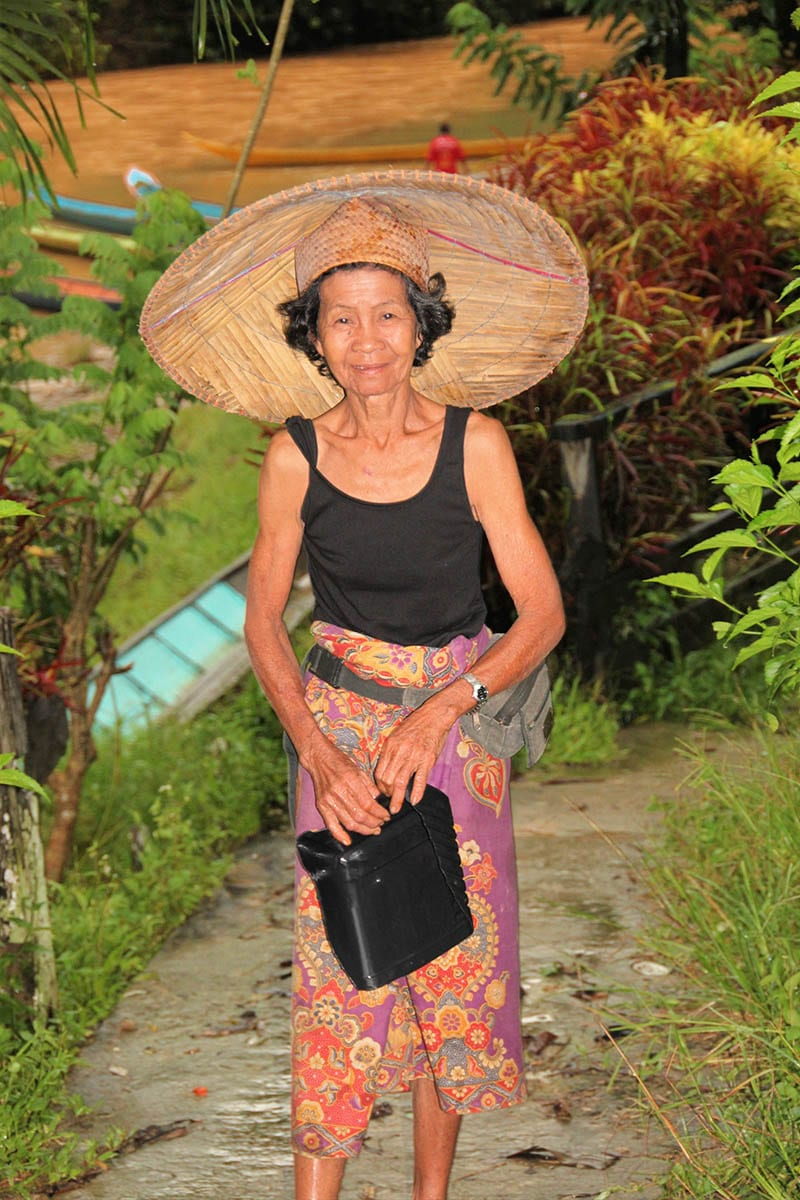 Fernreisen mit Kindern wohin? Beliebte Urlaubsziele für Familien – Malaysia, Borneo bei den Iban Indianern