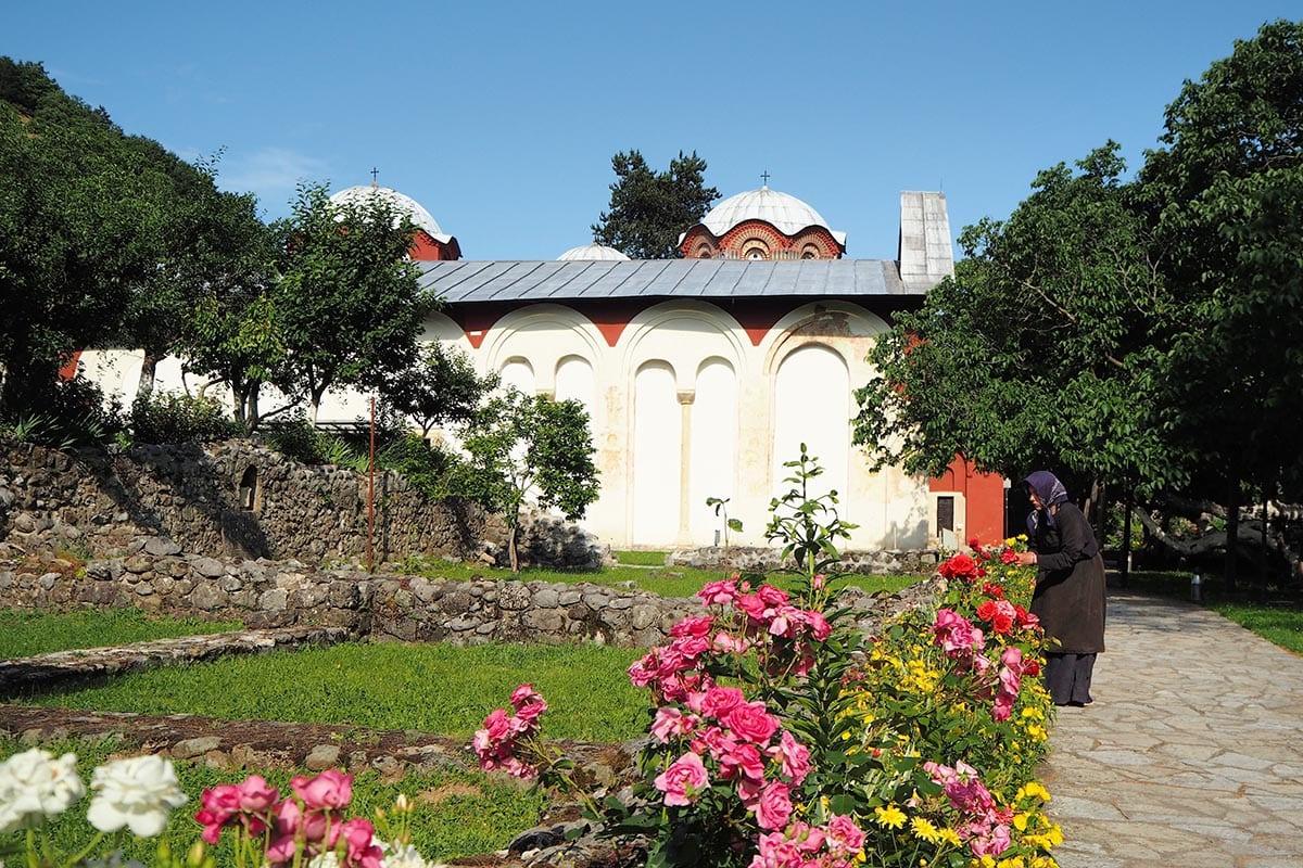 Kosovo Reisen – unterwegs in einem unbekannten Land. Das Patriarchenkloster Pec