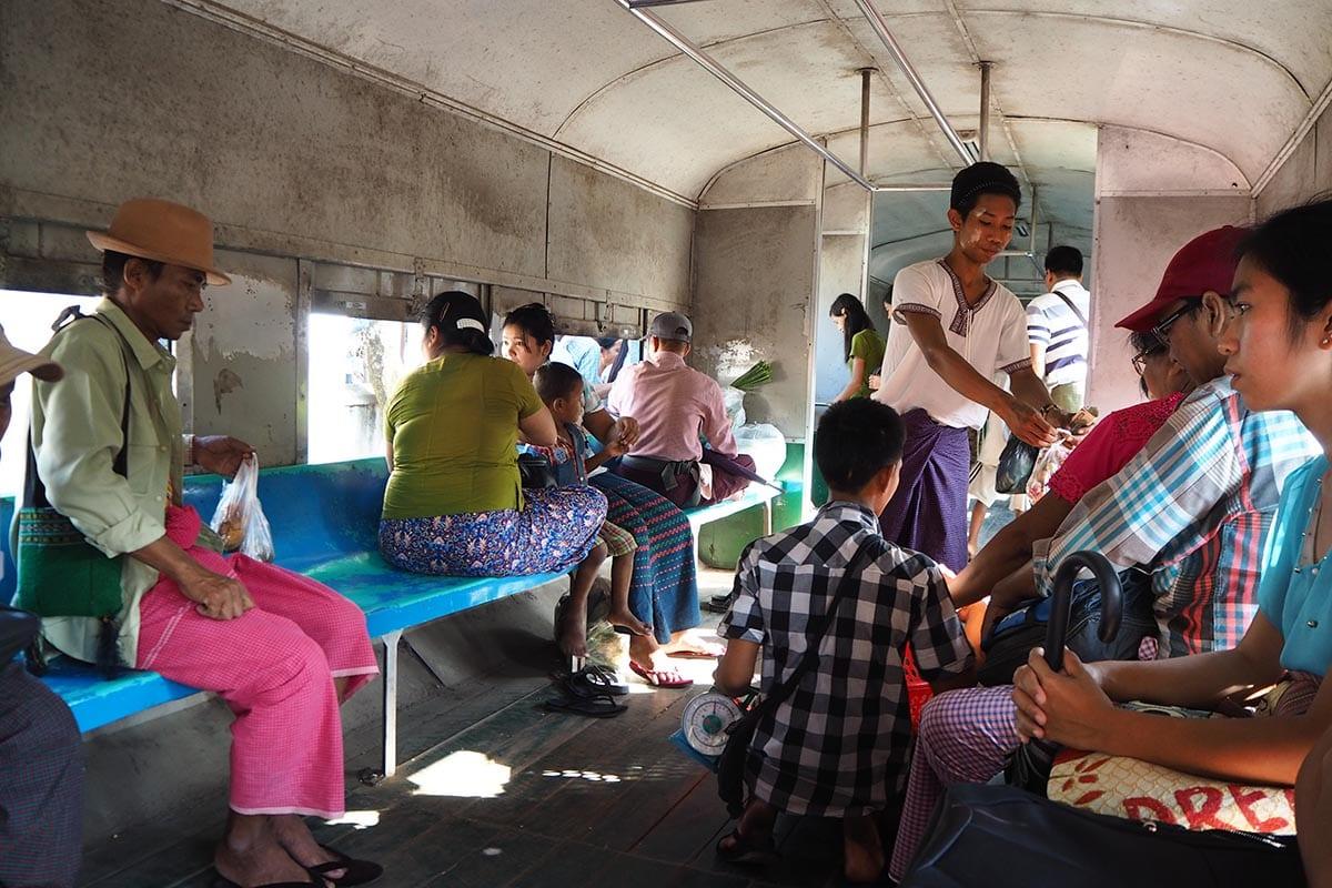 Unsere schönsten Myanmar Sehenswürdigkeiten: Circle Train in Yangon