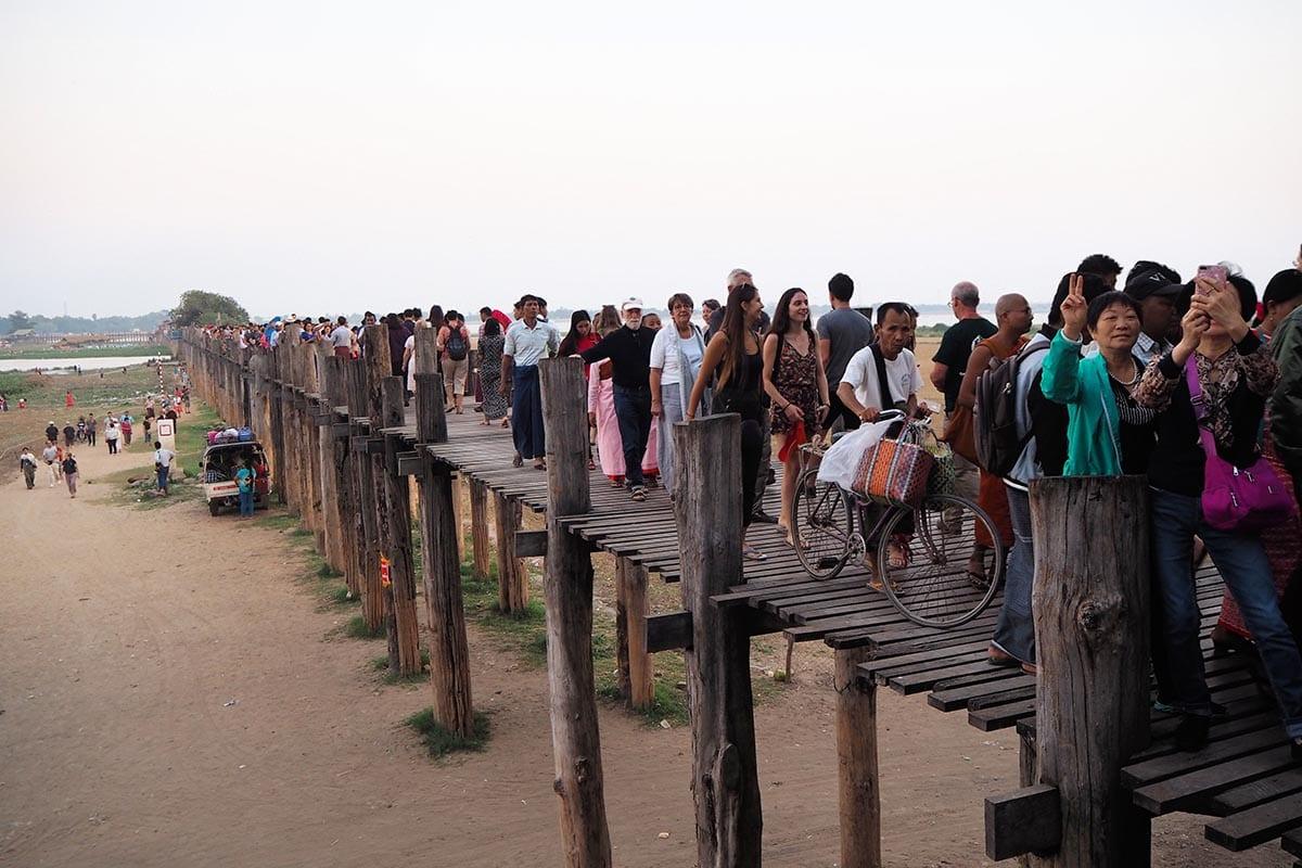 Unsere schönsten Myanmar Sehenswürdigkeiten: U-Bein Bridge in Amapura