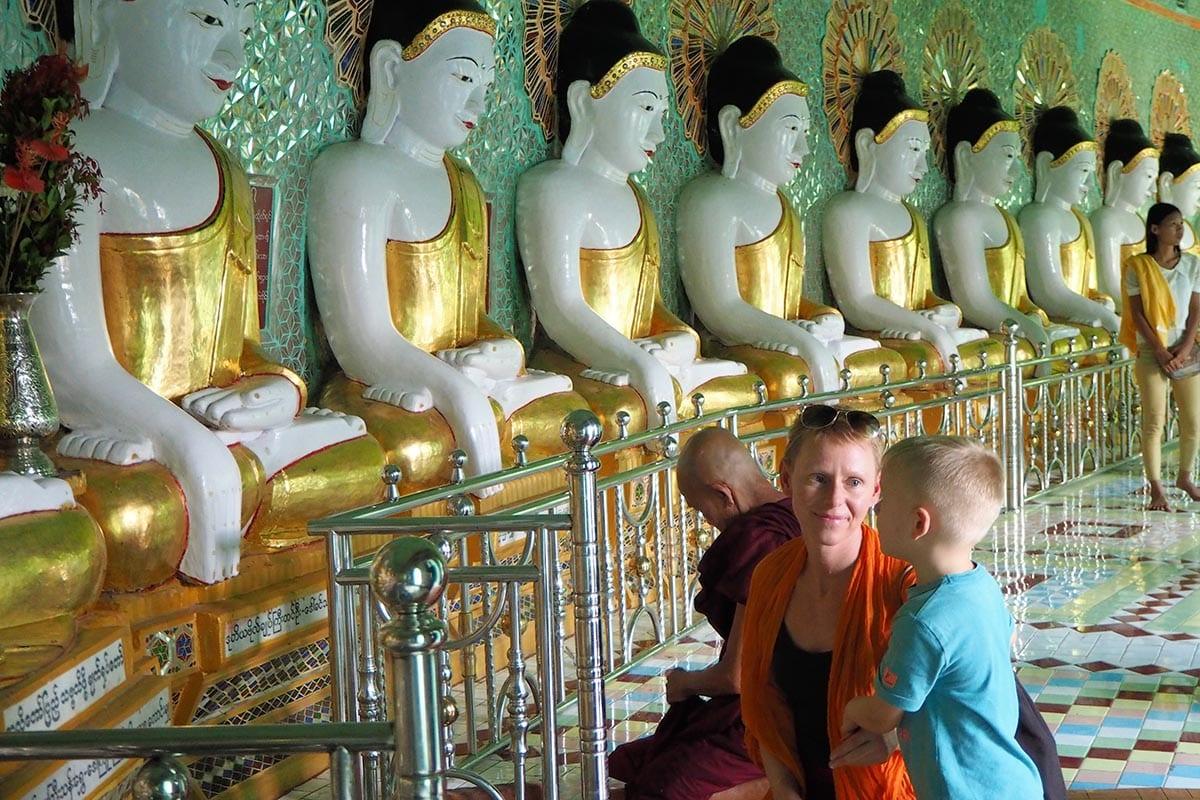 Unsere schönsten Myanmar Sehenswürdigkeiten: im Tempel bei Saiging