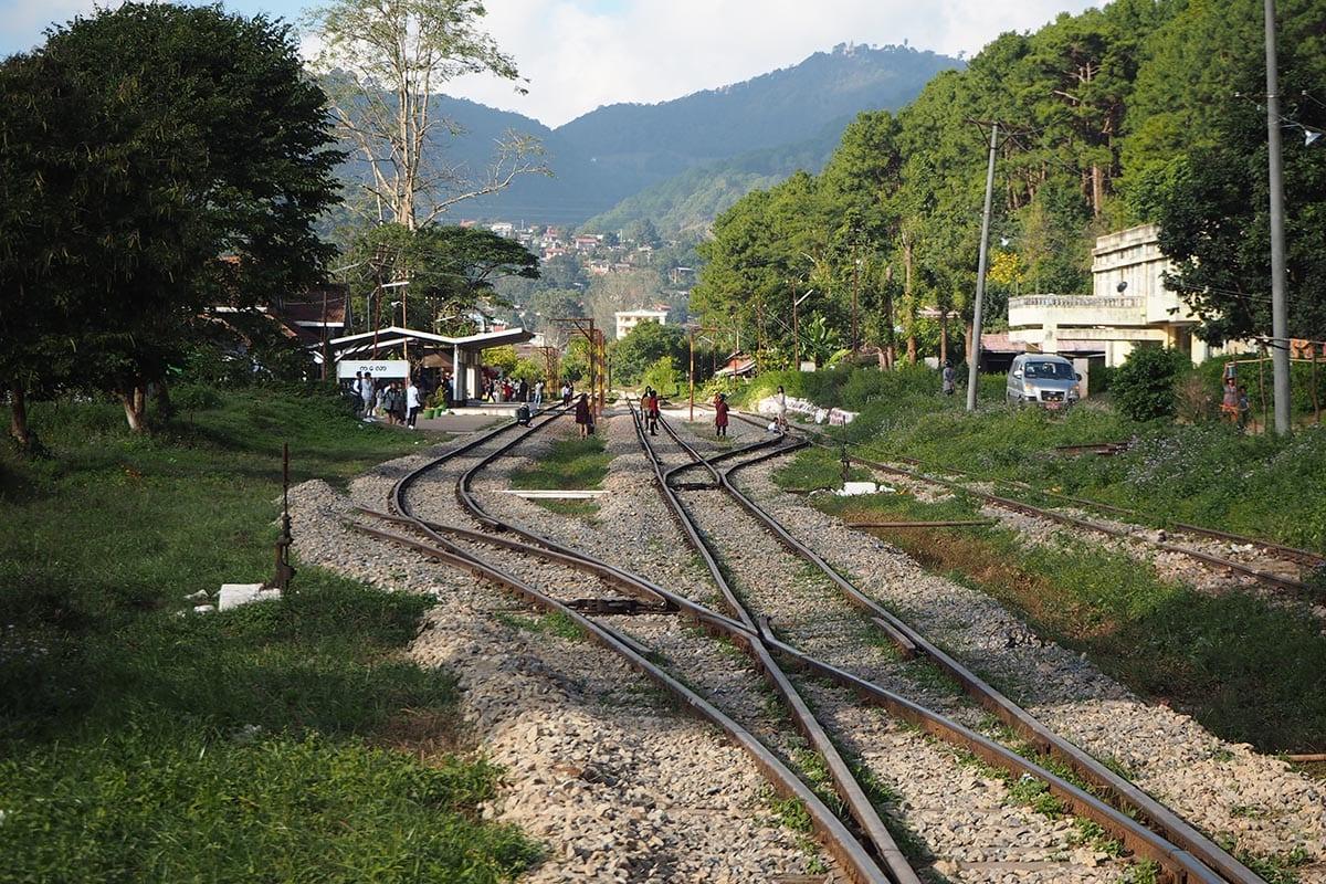 Unsere schönsten Myanmar Sehenswürdigkeiten: Bahnhof von Kalaw
