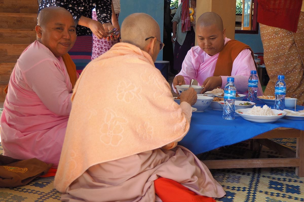 Unsere schönsten Myanmar Sehenswürdigkeiten: im Thein Taung Monastery in Kalaw