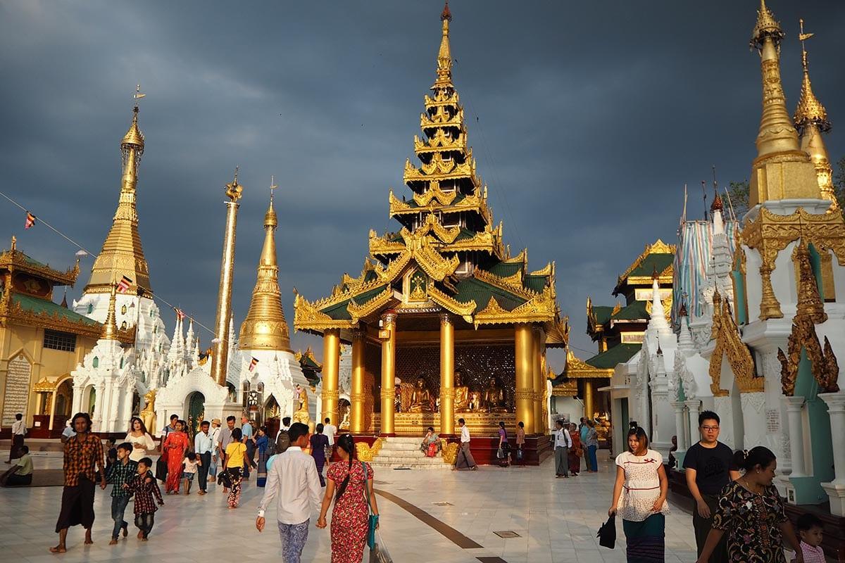 Unsere schönsten Myanmar Sehenswürdigkeiten: Shwedagon Pagode in Yangon