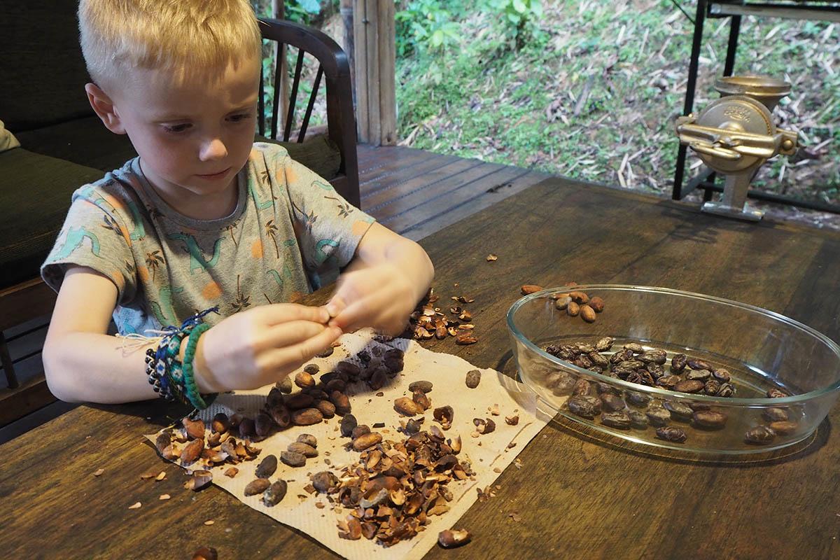 Ecuador mit Kind Schokoladen-Workshop im Amazonas