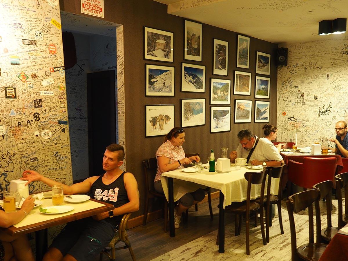In einem georgischen Restaurant in Hestia